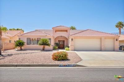 Desert Hot Springs Single Family Home For Sale: 9021 Warwick Drive