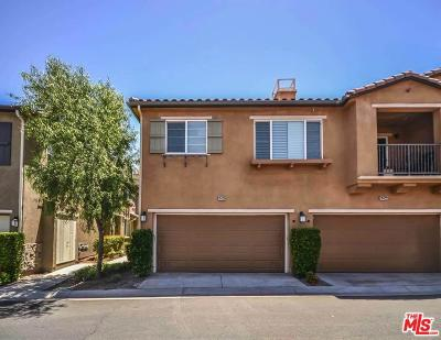 Saugus Condo/Townhouse For Sale: 19420 Laroda Lane