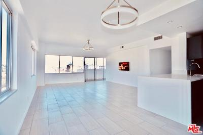Condo/Townhouse For Sale: 7135 Hollywood Boulevard #910
