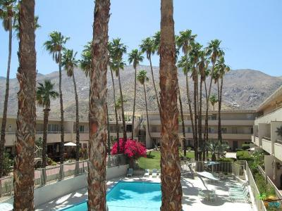 Palm Springs Condo/Townhouse For Sale: 277 East Alejo Road #214