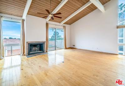 Los Angeles County Condo/Townhouse For Sale: 28254 Rey De Copas Lane