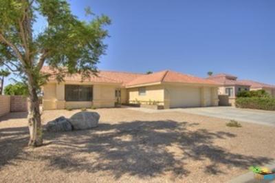 Desert Hot Springs Single Family Home For Sale: 9041 Warwick Drive