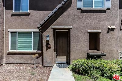 Saugus Condo/Townhouse For Sale: 19502 Laroda Lane