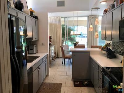 Palm Springs Condo/Townhouse For Sale: 191 Desert Lakes Drive