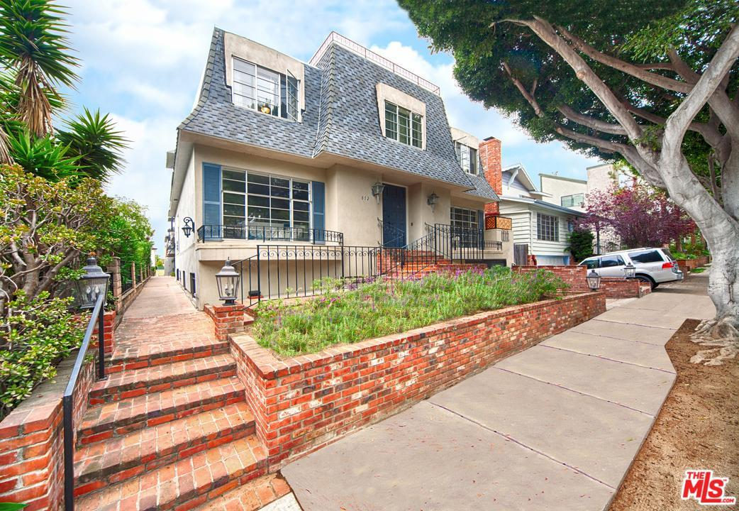 13 bed Residential Income in Santa Monica for $5,375,000
