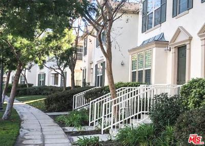 Los Angeles County Condo/Townhouse For Sale: 24128 Victoria Lane #39