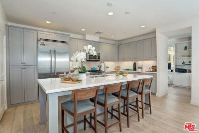 Los Angeles County Condo/Townhouse For Sale: 12883 Runway Road #2