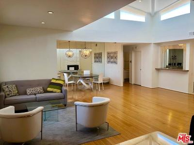 Los Angeles County Condo/Townhouse For Sale: 2175 South Beverly Glen #405