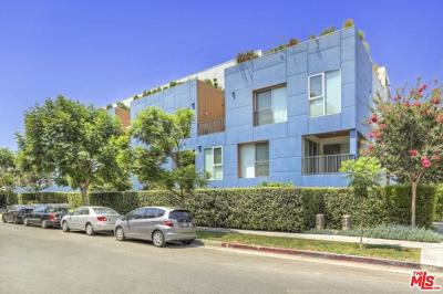Los Angeles County Condo/Townhouse For Sale: 855 North Croft Avenue #205