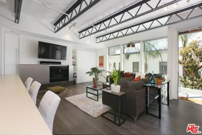 West Hollywood CA Condo/Townhouse For Sale: $875,000