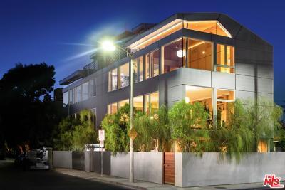 Venice Single Family Home For Sale: 2022 Alberta Avenue