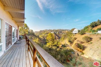 Los Angeles County Single Family Home For Sale: 8253 Mannix Drive