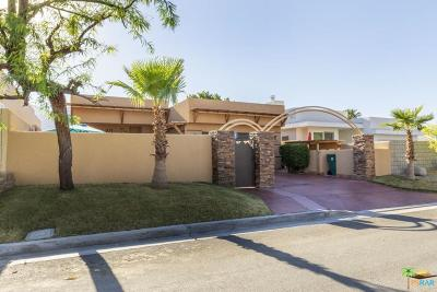 La Quinta Single Family Home For Sale: 53465 Avenida Villa