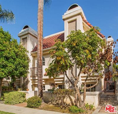 Toluca Lake Condo/Townhouse For Sale: 4444 Moorpark Way #106