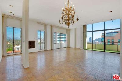 Los Angeles County Condo/Townhouse For Sale: 10535 Wilshire #7