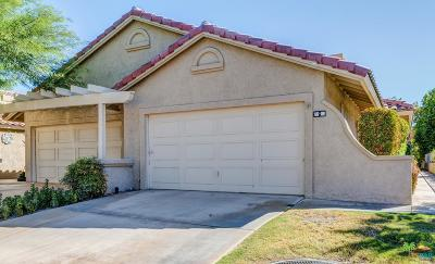 Palm Desert Condo/Townhouse For Sale: 41800 West Woodhaven Drive