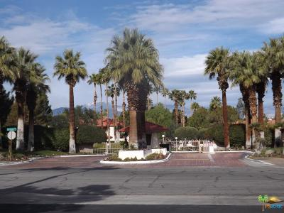 Palm Springs Condo/Townhouse For Sale: 2800 East Los Felices Circle #110