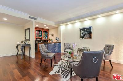 Beverly Hills Condo/Townhouse For Sale: 325 North Oakhurst Drive #202