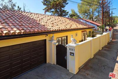 Single Family Home For Sale: 8583 Skyline Drive