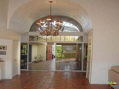 Palm Springs Condo/Townhouse For Sale: 1833 South Araby Drive #31