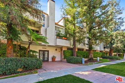 Studio City Condo/Townhouse For Sale: 10926 Bluffside Drive #33