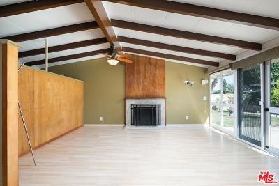 Long Beach Single Family Home For Sale: 3063 Roxanne Avenue