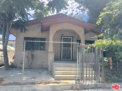 Los Angeles Single Family Home For Sale: 9928 Compton Avenue