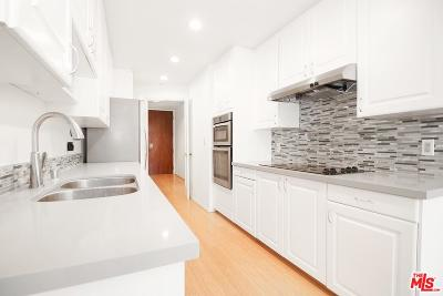 Beverly Hills Condo/Townhouse For Sale: 200 North Swall Drive #507