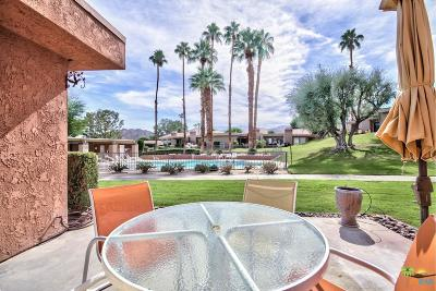 Palm Desert Condo/Townhouse For Sale: 72427 Rolling Knolls Drive