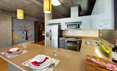 Los Angeles Condo/Townhouse For Sale: 645 West 9th Street #426