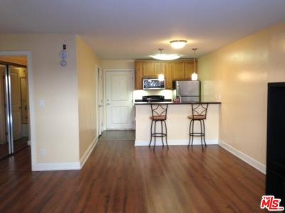 Los Angeles County Condo/Townhouse For Sale: 10982 Roebling Avenue #321