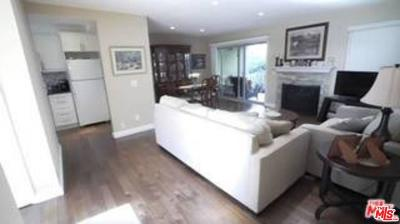 Thousand Oaks Condo/Townhouse For Sale: 248 Oakleaf Drive #104