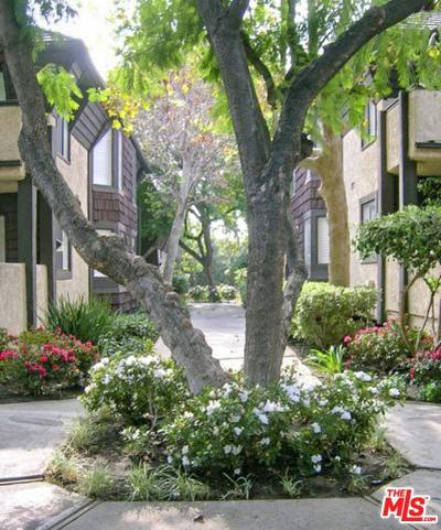 Condo/Townhouse For Sale: 15050 Sherman Way #210