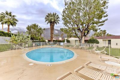 Palm Springs Condo/Townhouse For Sale: 1067 South La Verne Way