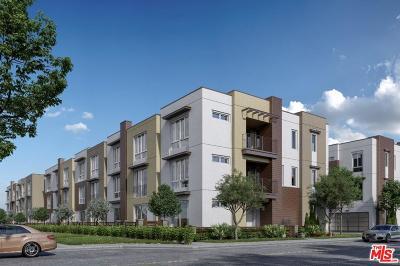 Single Family Home For Sale: 7327 Hazeltine Avenue
