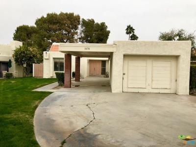 Palm Springs Condo/Townhouse For Sale: 1676 Wack Wack Plaza