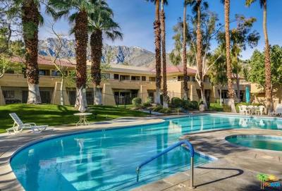 Palm Springs Condo/Townhouse Active Under Contract: 2822 North Auburn Court #E215
