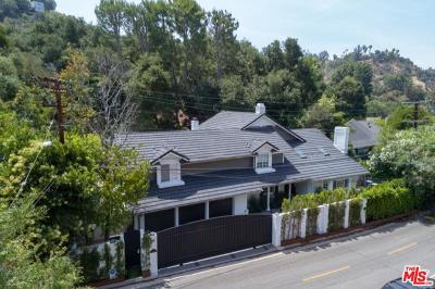 Beverly Hills Single Family Home For Sale: 2572 Hutton Drive