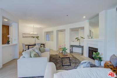 Los Angeles Condo/Townhouse Active Under Contract: 10790 Rose Avenue #302