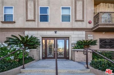 Hancock Park-Wilshire (C18) Condo/Townhouse Active Under Contract: 956 South Wilton Place #202
