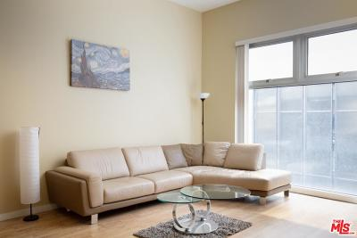 Condo/Townhouse Active Under Contract: 630 West 6th Street #509