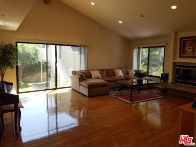 Single Family Home For Sale: 330 North Beachwood Drive