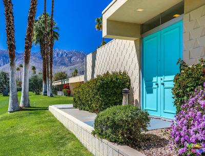 Palm Springs Condo/Townhouse For Sale: 217 Desert Lakes Drive