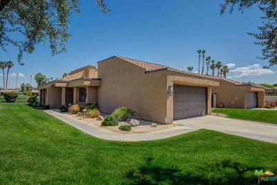 Palm Springs Condo/Townhouse For Sale: 7420 Regency Drive