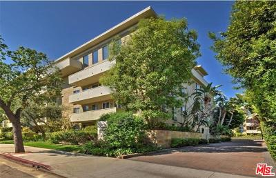 Encino Condo/Townhouse Active Under Contract: 4949 Genesta Avenue #301