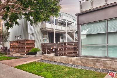 Condo/Townhouse For Sale: 615 Hampton Drive #A301