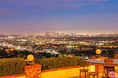 Los Angeles County Single Family Home For Sale: 8211 Bellgave Place