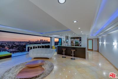 Los Angeles County Condo/Townhouse For Sale: 818 North Doheny Drive #PH 1406