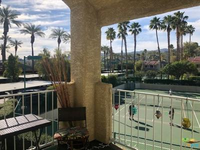 Palm Springs Condo/Townhouse For Sale: 2700 Golf Club Drive #95