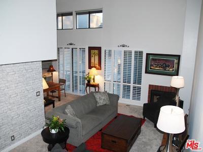 Sherman Oaks Condo/Townhouse Active Under Contract: 13331 Moorpark Street #341
